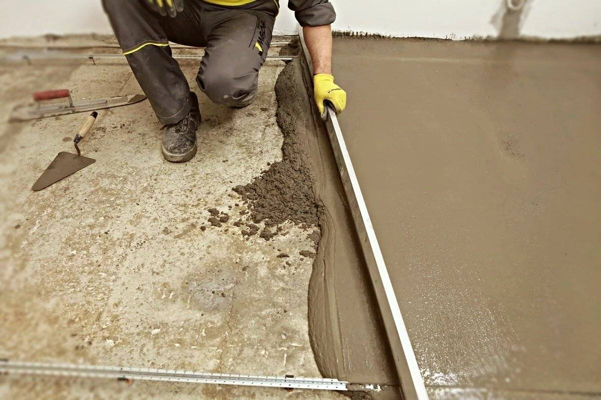 Как выровнять бетонный пол своими руками – делаем стяжку самостоятельно + видео