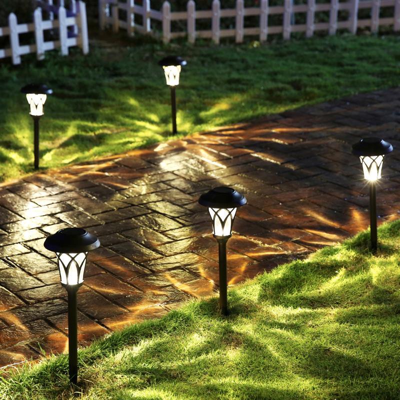 Уличное освещение на солнечных батареях: садовое, автономное