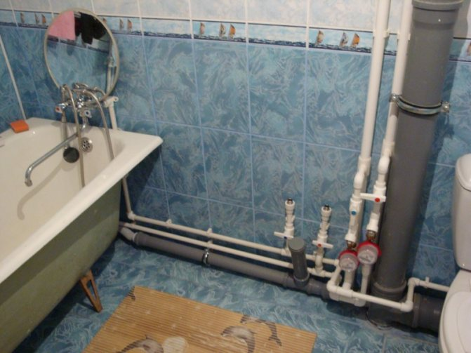 Подключение ванны к канализации и водопроводу за 17 шагов
