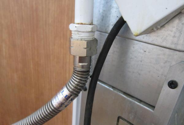 Замена газового шланга своими руками — правила проведения монтажных работ