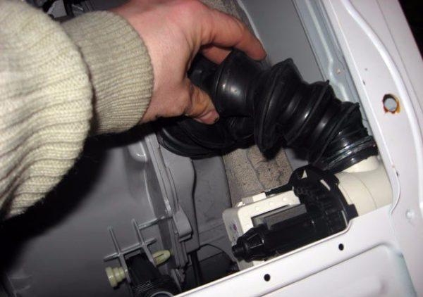 Как слить воду из стиральной машины: методы и полезные рекомендации - точка j