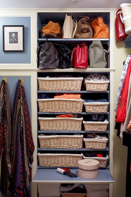 Важные мелочи в гардеробной комнате: как лучше хранить вещи