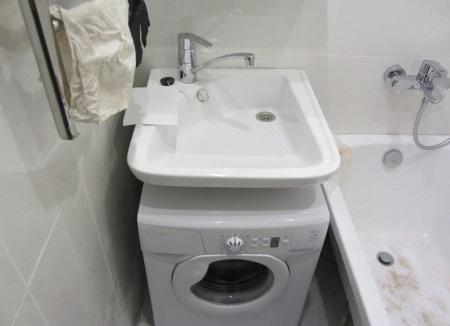 Процесс установки раковины над стиральной машиной по шагам