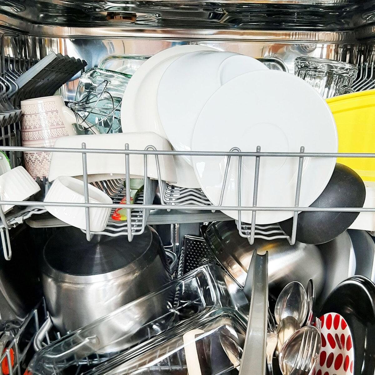 Как правильно загружать посуду в посудомоечную машину: ценные рекомендации - точка j