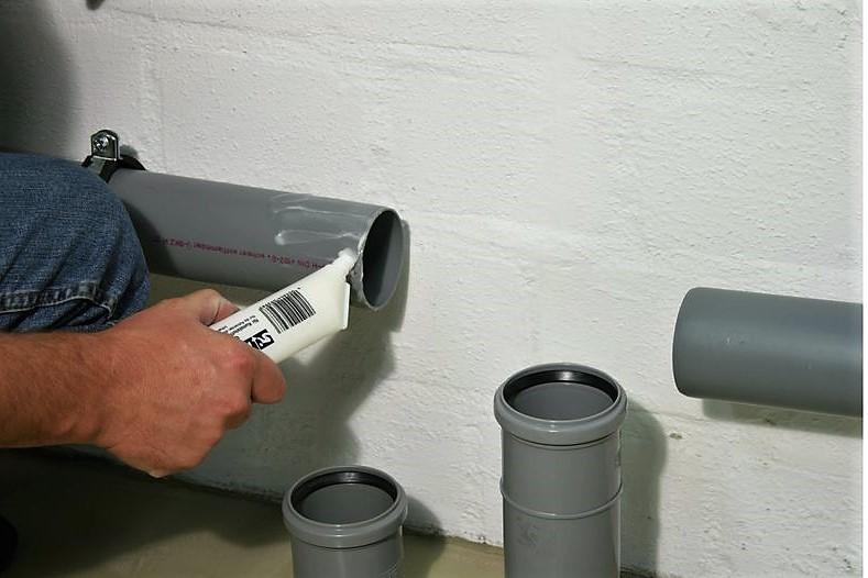 Герметик для труб канализации: как загерметизировать канализационную трубу, чем герметизировать, сантехнический герметик для канализационных труб, испытание выпуска канализации