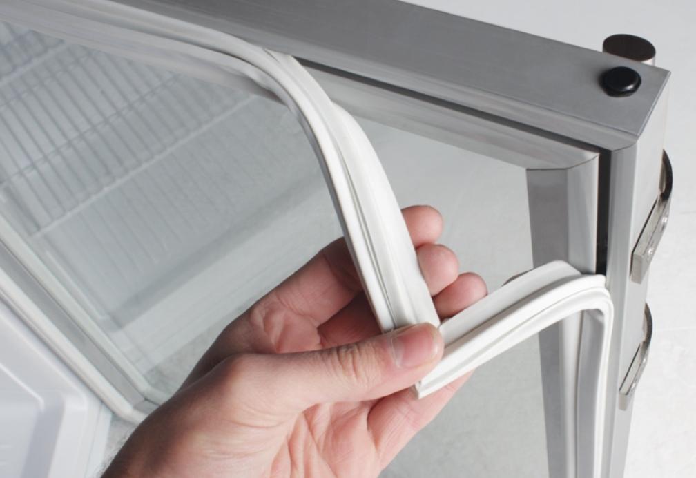 Ремонт и замена уплотнителя в холодильнике своими руками