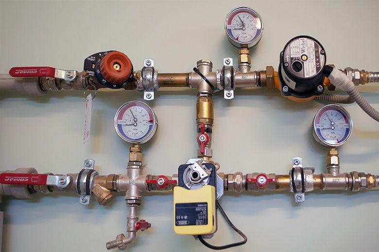 Как убрать повышения и потери давления в системе отопления?