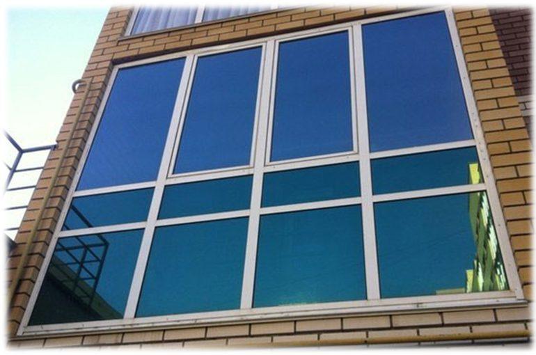 Тонировка балкона: виды пленок, как затонировать окно самостоятельно
