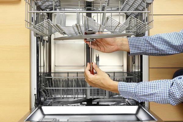 Как избавиться от белого налета на посуде, после посудомоечной машины