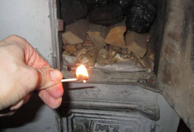 Как правильно топить печь дровами в бане и доме: пошаговая инструкция  от ivd.ru
