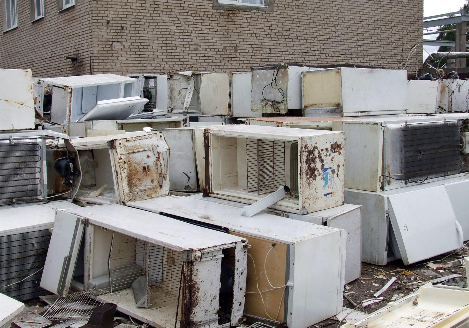 Утилизация холодильников: как и куда утилизировать за деньги