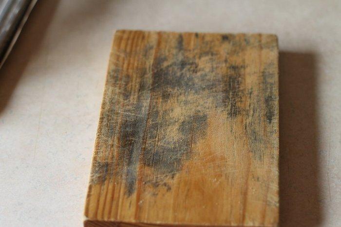 Плесень на досках, древесине, фанере: как избавиться